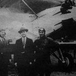 Pilotos José Villa y Luis Venditti (izquierda y derecha en la foto)